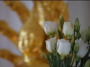 Bloemen en boeddha