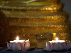 Kaarsen en goud